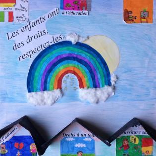 http://www.memorial-caen.fr/sites/memorial_caen/files/styles/initial/public/61_-_ecole_colleville_14_dives_sur_mer.jpg?itok=myJpv8D0