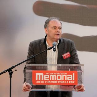 http://www.memorial-caen.fr/sites/memorial_caen/files/styles/initial/public/christian-carion.jpg?itok=0yLqlmbK