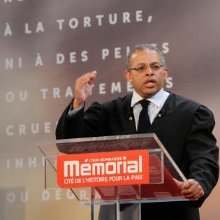 http://www.memorial-caen.fr/sites/memorial_caen/files/styles/initial/public/max-adam-romero2.jpg?itok=eMlouIUO