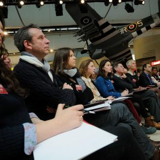 http://www.memorial-caen.fr/sites/memorial_caen/files/styles/initial/public/plaidoiries-lyceens-jury.jpg?itok=fRMGEC4k